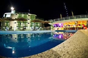 amazon jungle palace