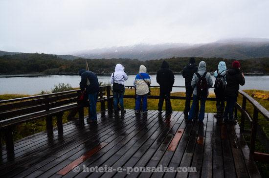 turistas-bahia-lapataia